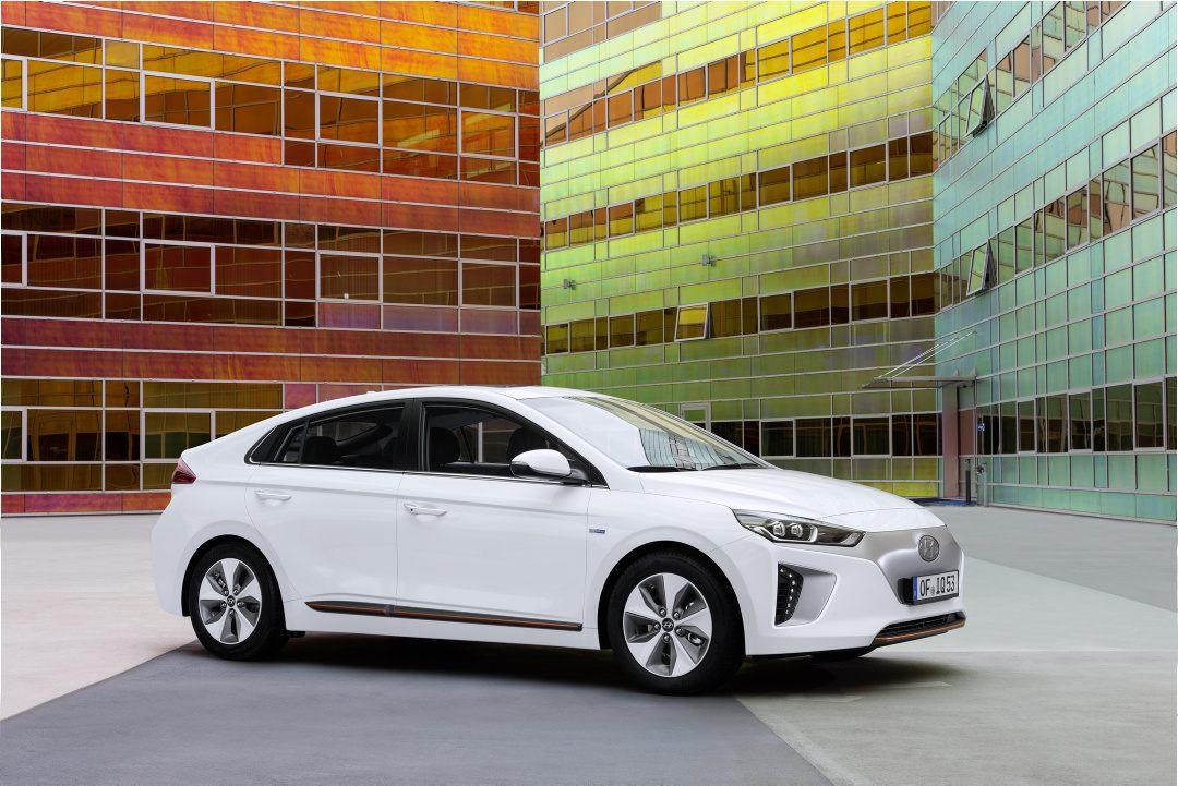 Hyundai_Ioniq_01